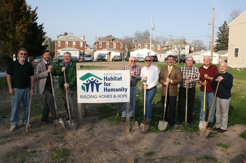 HabitatGroundbreaking4-2013Low-Res(c)KarenHendricks